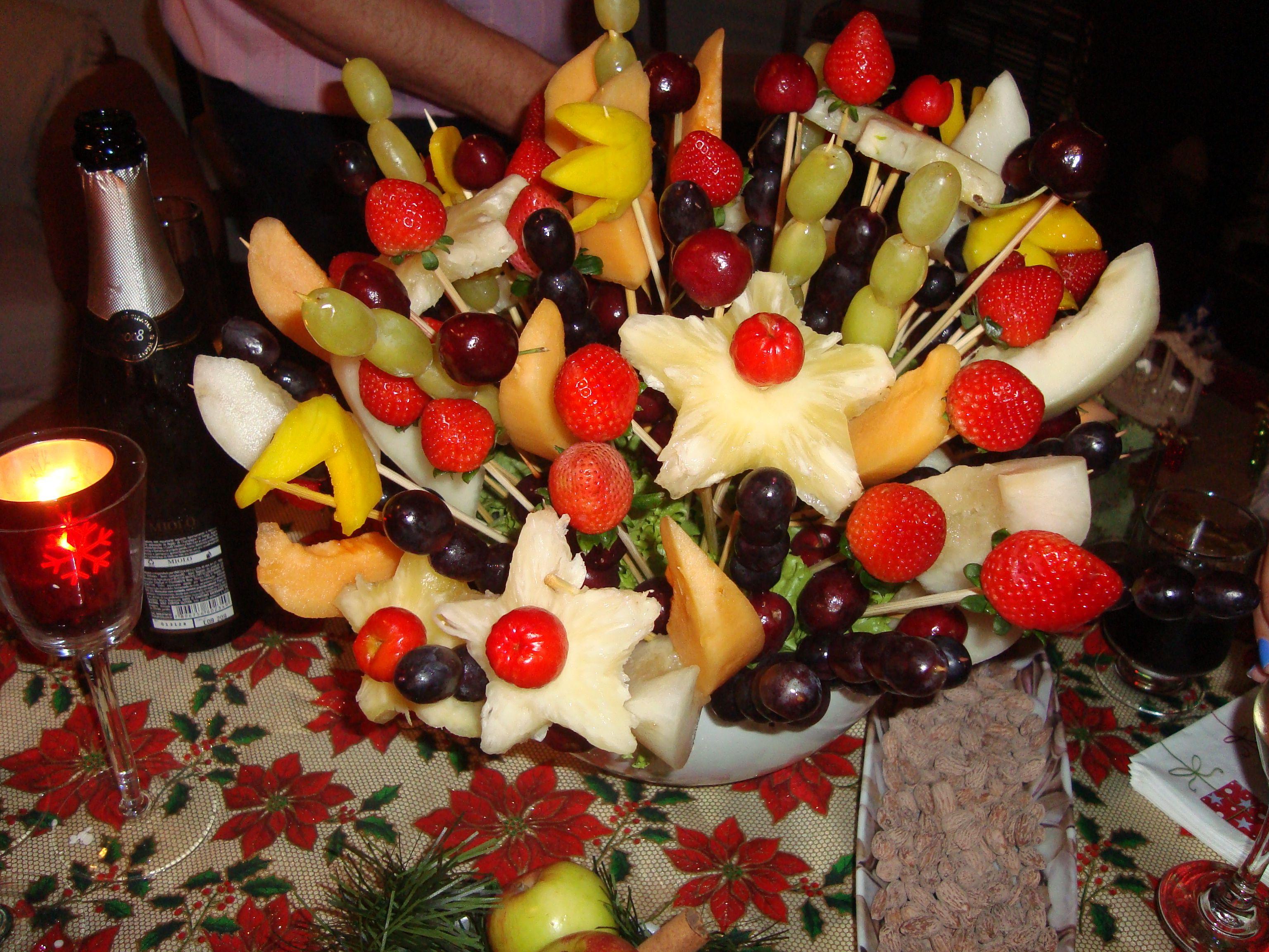 Natal light com frutas no palito
