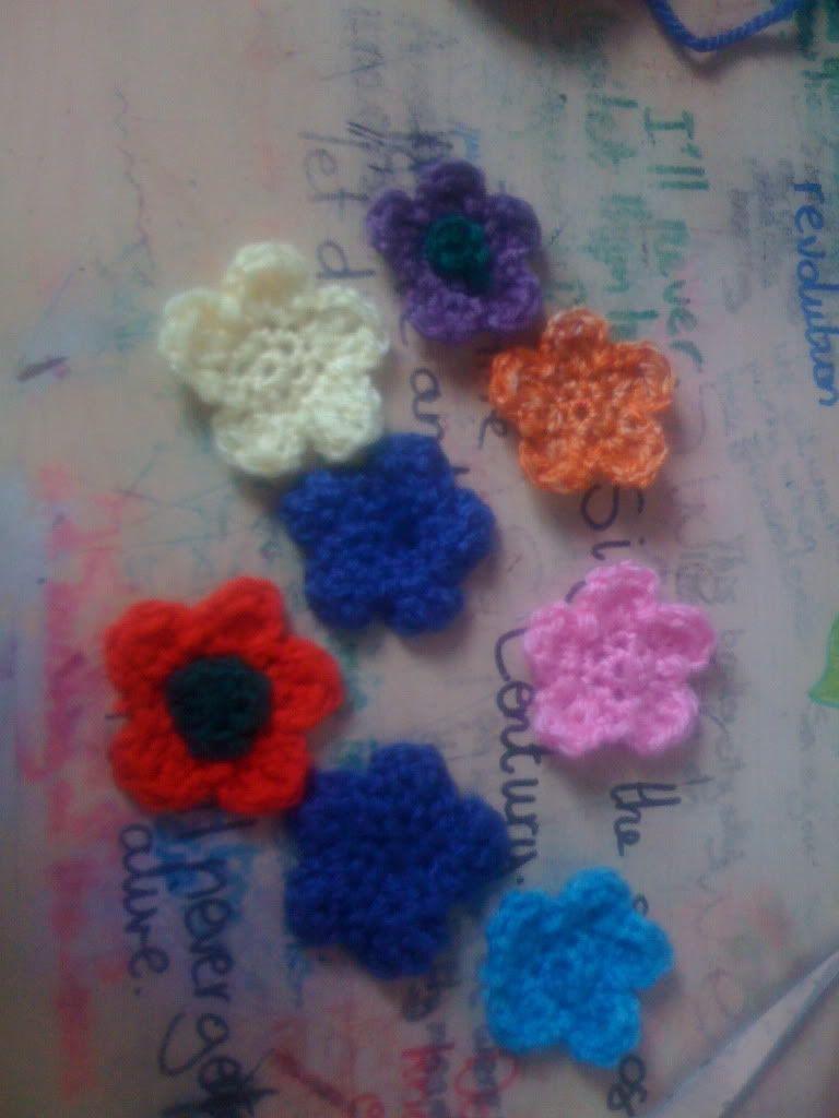 Free Flower pattern | Knitted flowers, Crochet flowers ...