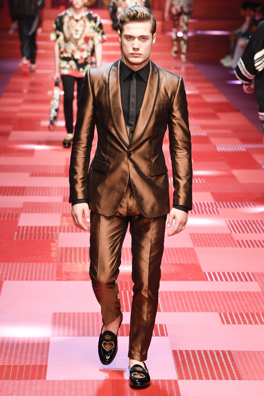 4c4e523fbe1f Dolce & Gabbana Spring 2018 Menswear Fashion Show in 2019 | model ...