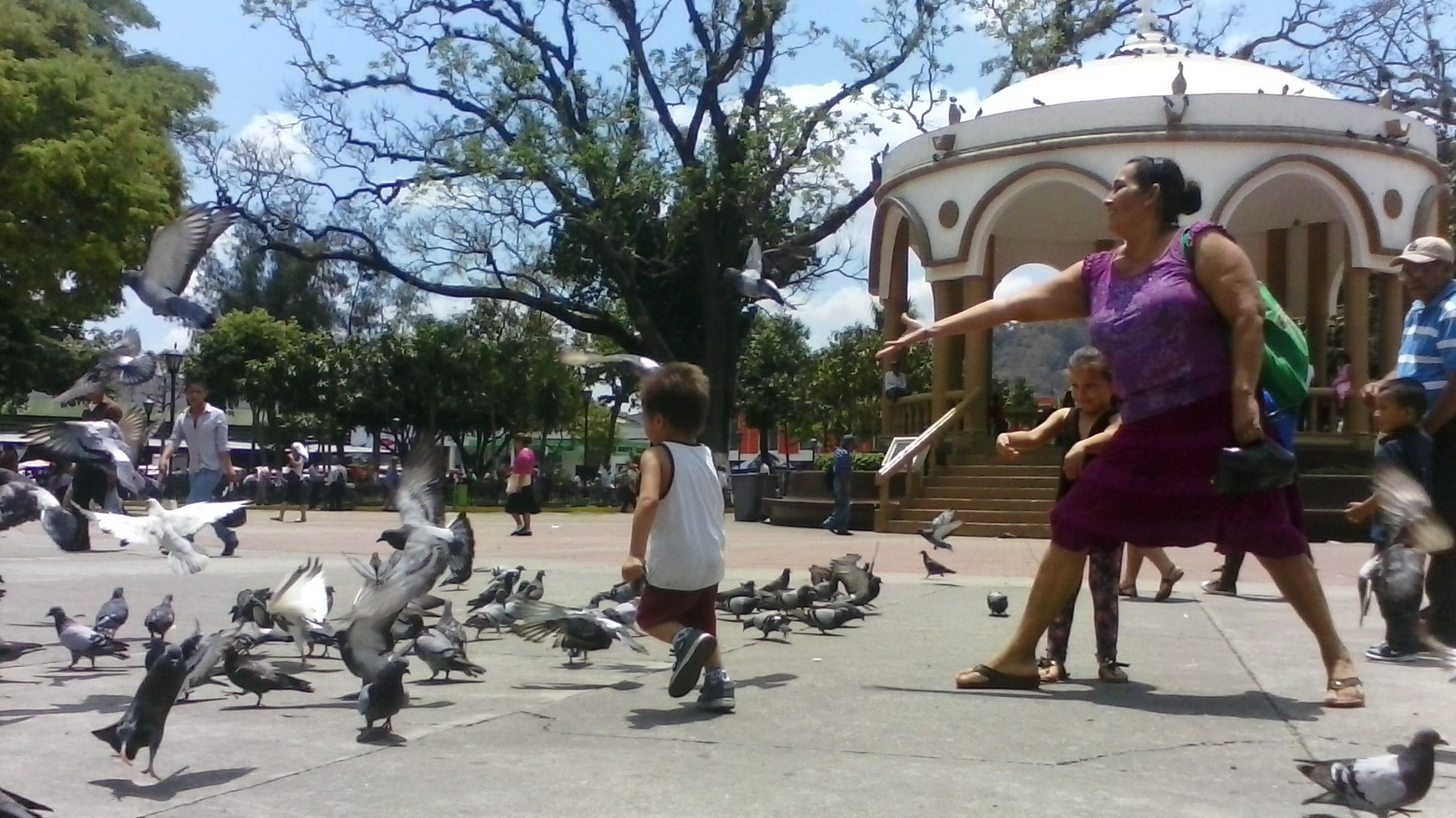 Parque Daniel Hernández, Santa Tecla, El Salvador. Foto