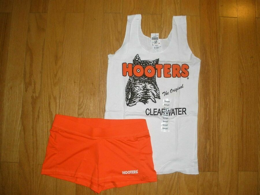 NEW HOOTERS ORANGE UNIFORM HALLOWEEN COSTUME SHORTS SM FLA W//LRG SOCK POUCH TAG