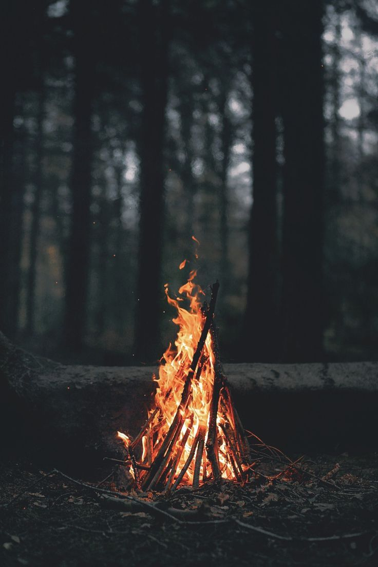 Uma boa fogueira e algumas historias...