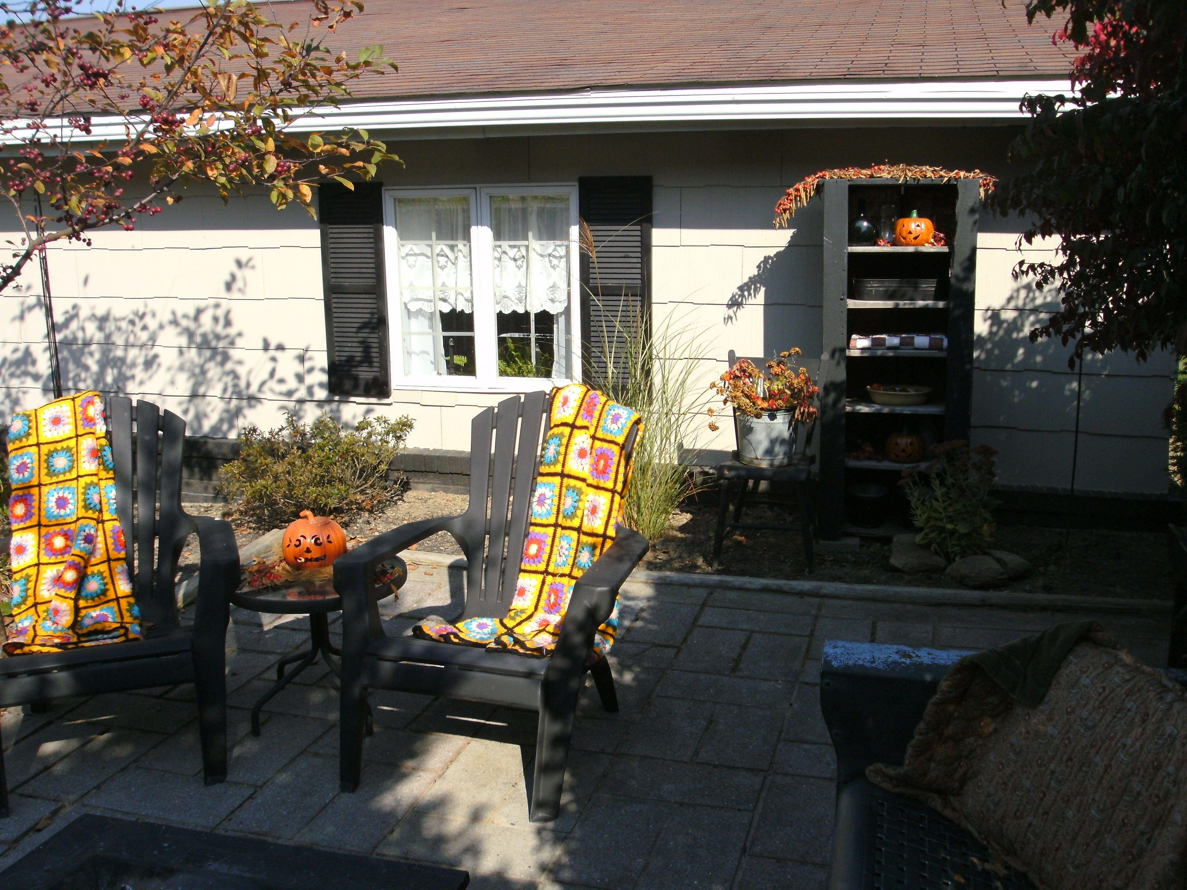 patio fall decor