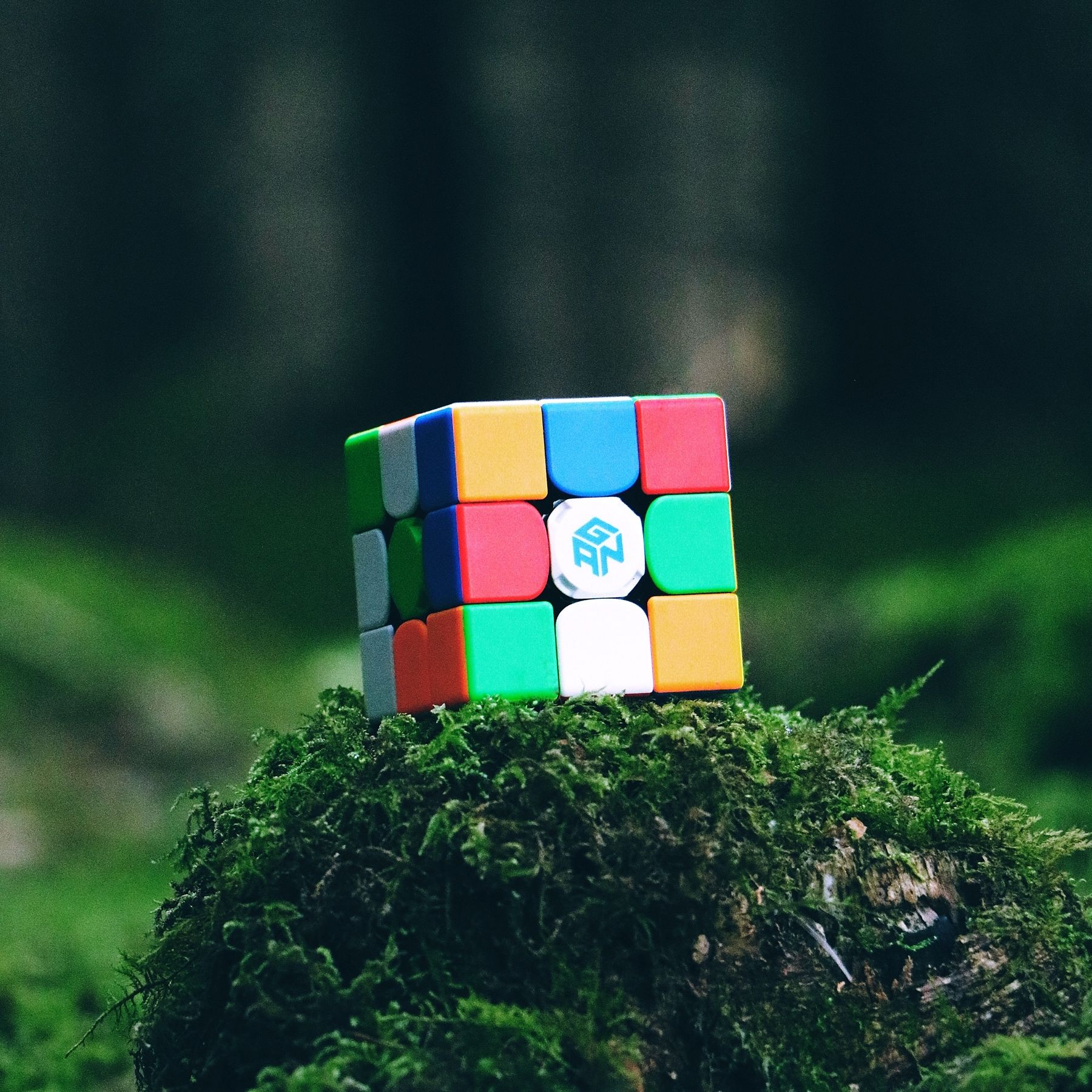 Der Gan 356 I Der Gan 356 I Ist Der Erste Smart Cube Von Premium Hersteller Gan Er Zeichnet Jede Drehung Auf Und Visual In 2020 Zauberwurfel Der Wurfel Smartphone