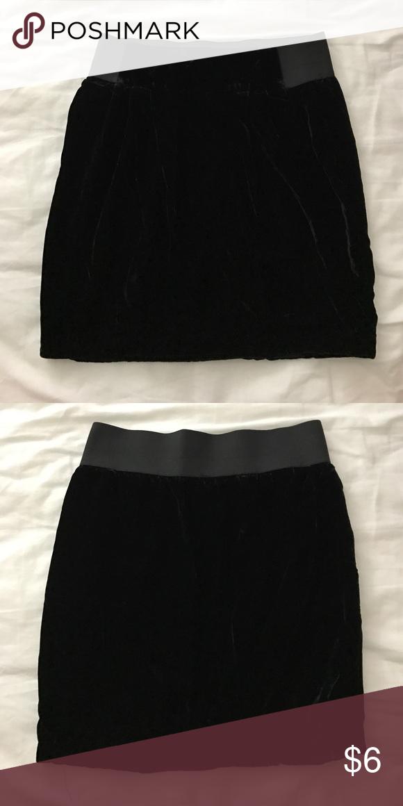 Forever 21 Black Velvet Skirt Forever 21 black velvet skirt in perfect condition. Forever 21 Skirts Mini