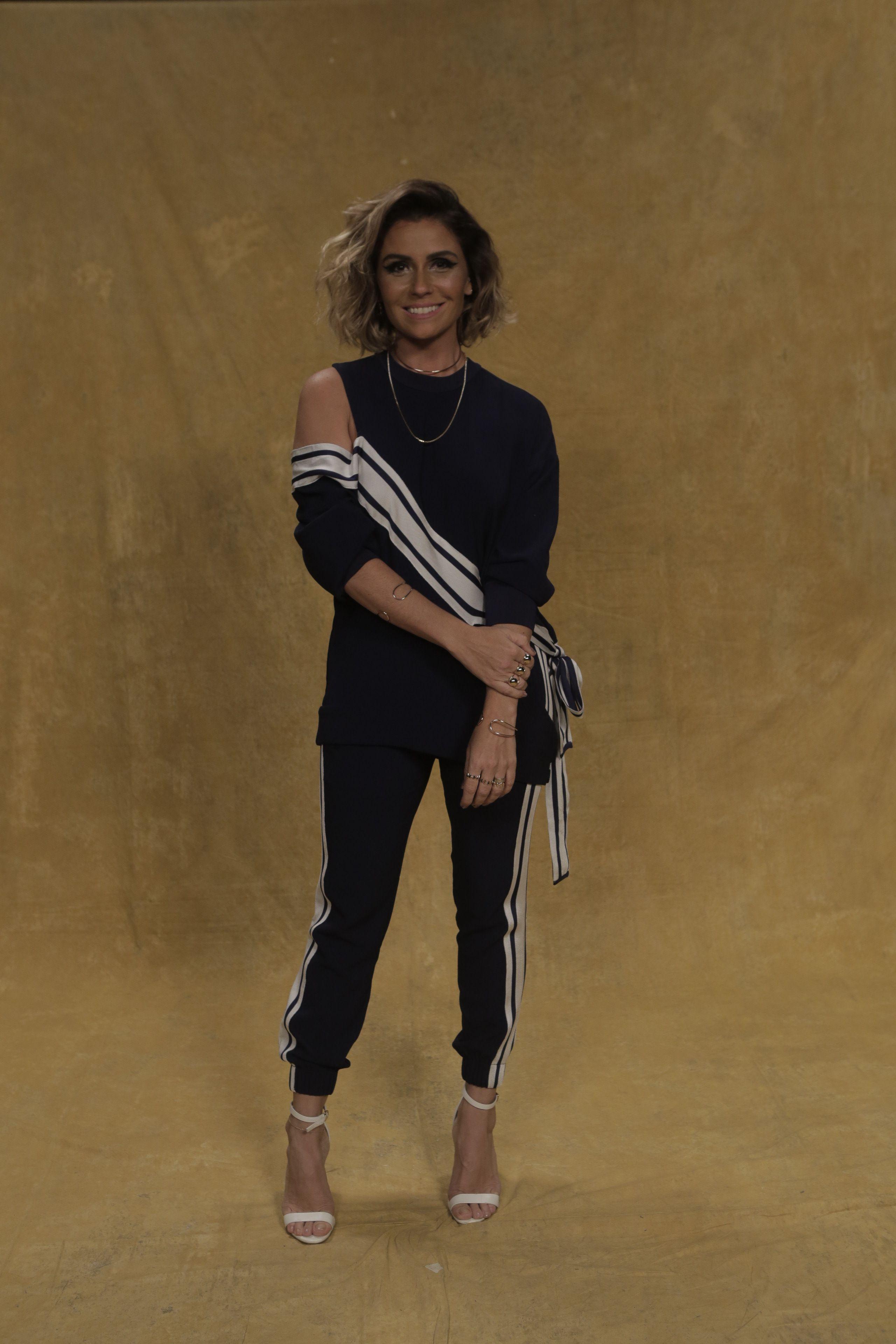 9b9bcd1f31 Giovanna Antonelli em detalhes  preto e branco em perfeita harmonia no  visual da atriz (Foto  Raphael Dias Gshow)