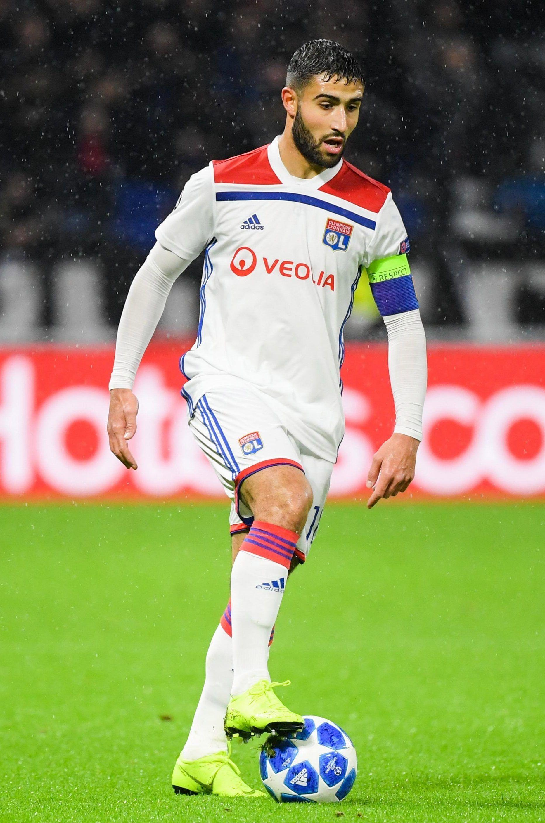 Chelsea Boss Maurizio Sarri Made 50m Transfer Target Nabil Fekir A Promise In A Personal Call To The Exciting Forward Maurizio Sarri Football One Team