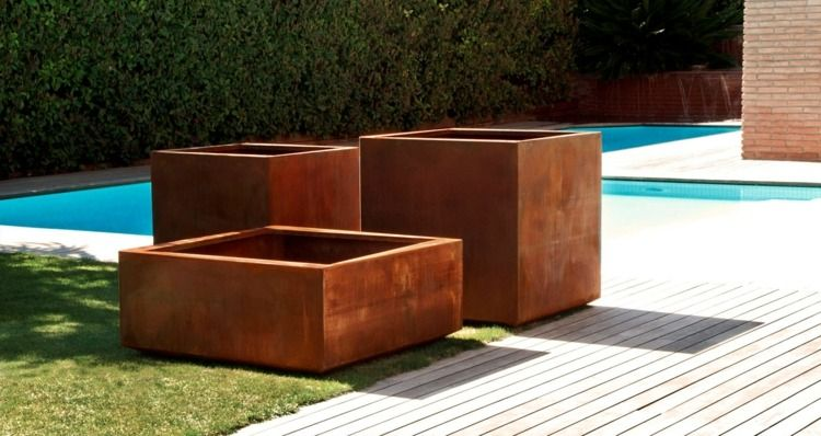 Moderne Gartendeko pflanzkübel aus rost müssen für die moderne gartendeko nicht