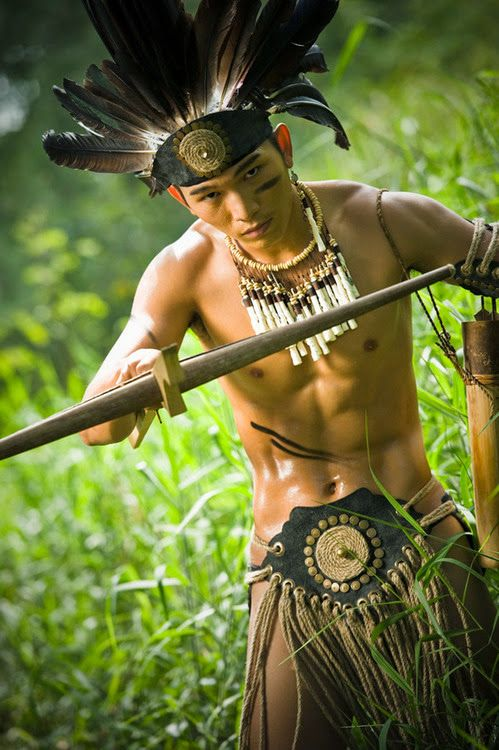 Gut aussehende Indianer