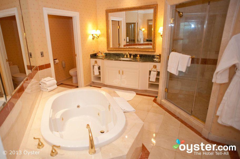 Las Vegas Hotels Resorts Oyster Com Hotel Suite Bathroom Hospital Interior Design Hotel Interiors