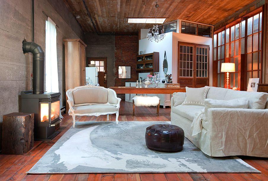 Rug: Coastal Shift | Photo: Janis Nicolay | Designer: Kaili Zavenbergen | Inquiries: info@zoepawlak.com | #abstract #abstractrug #interiordesign #roomdesign #ruginterior #2017rugs #colourfulrugs #artistrugs #zoepawlak #montreal #vancouver #burrittbrothers #loft #loftdesign #loftinterior