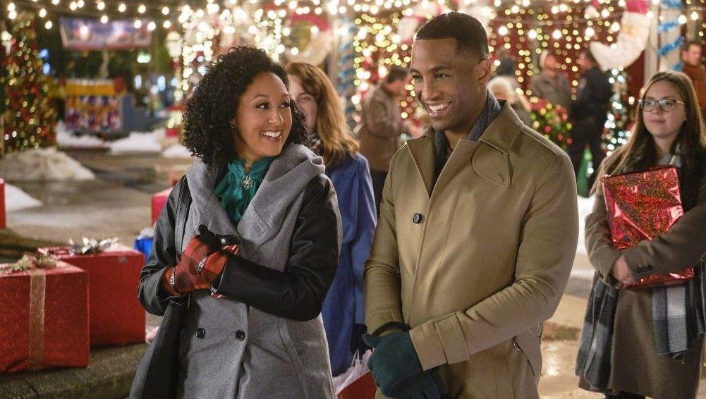 A Christmas Miracle (2019) Hallmark movies, Family