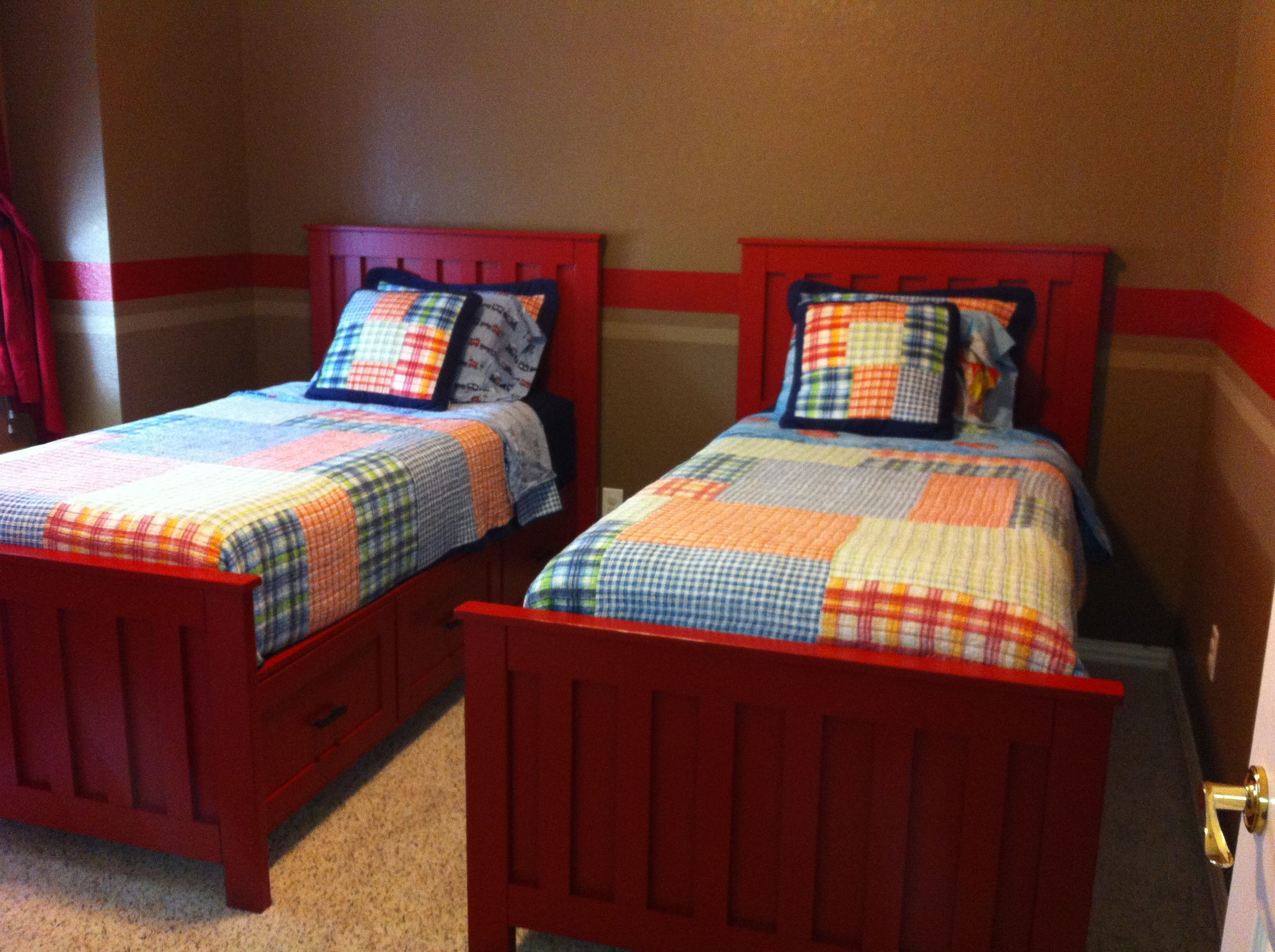 Best Ana White Combined The Kentwood And Farmhouse Beds Diy Projects Kids Rooms Diy 640 x 480