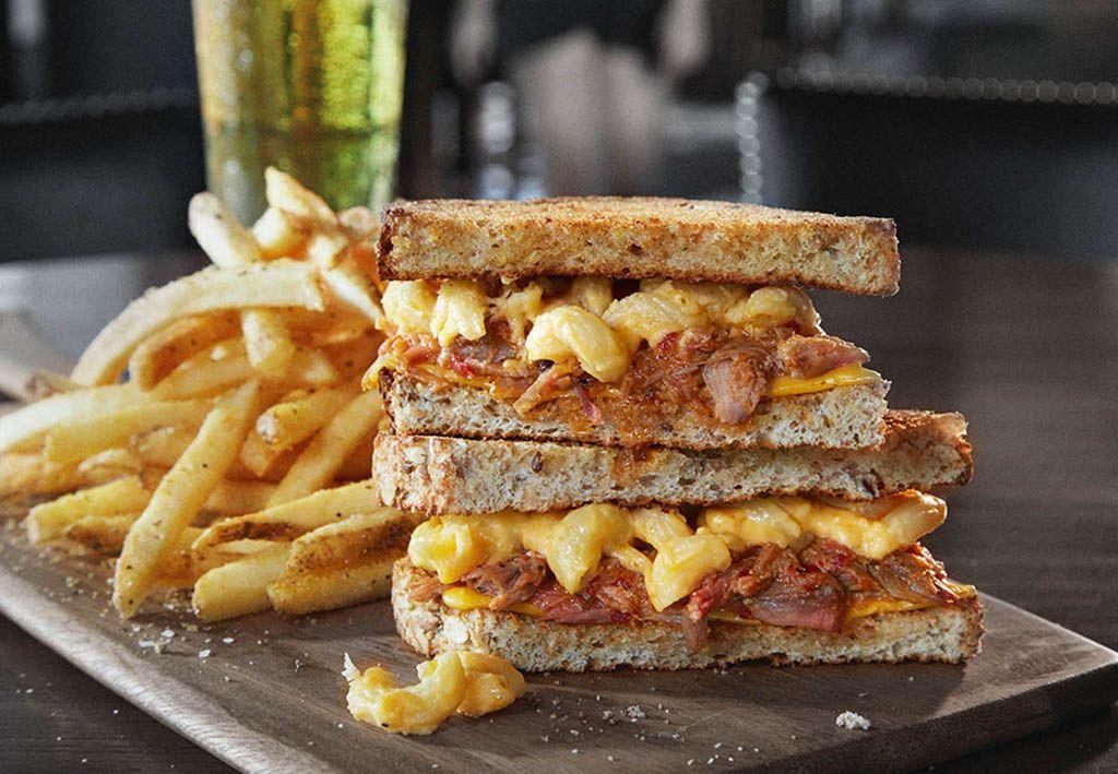 bar louie mac and cheese sandwich