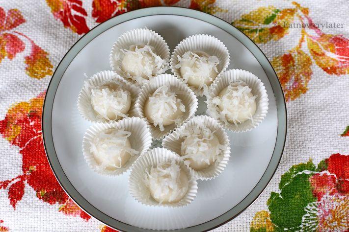 Nom Plai Ai (glutinous rice balls filled w/palm sugar ...