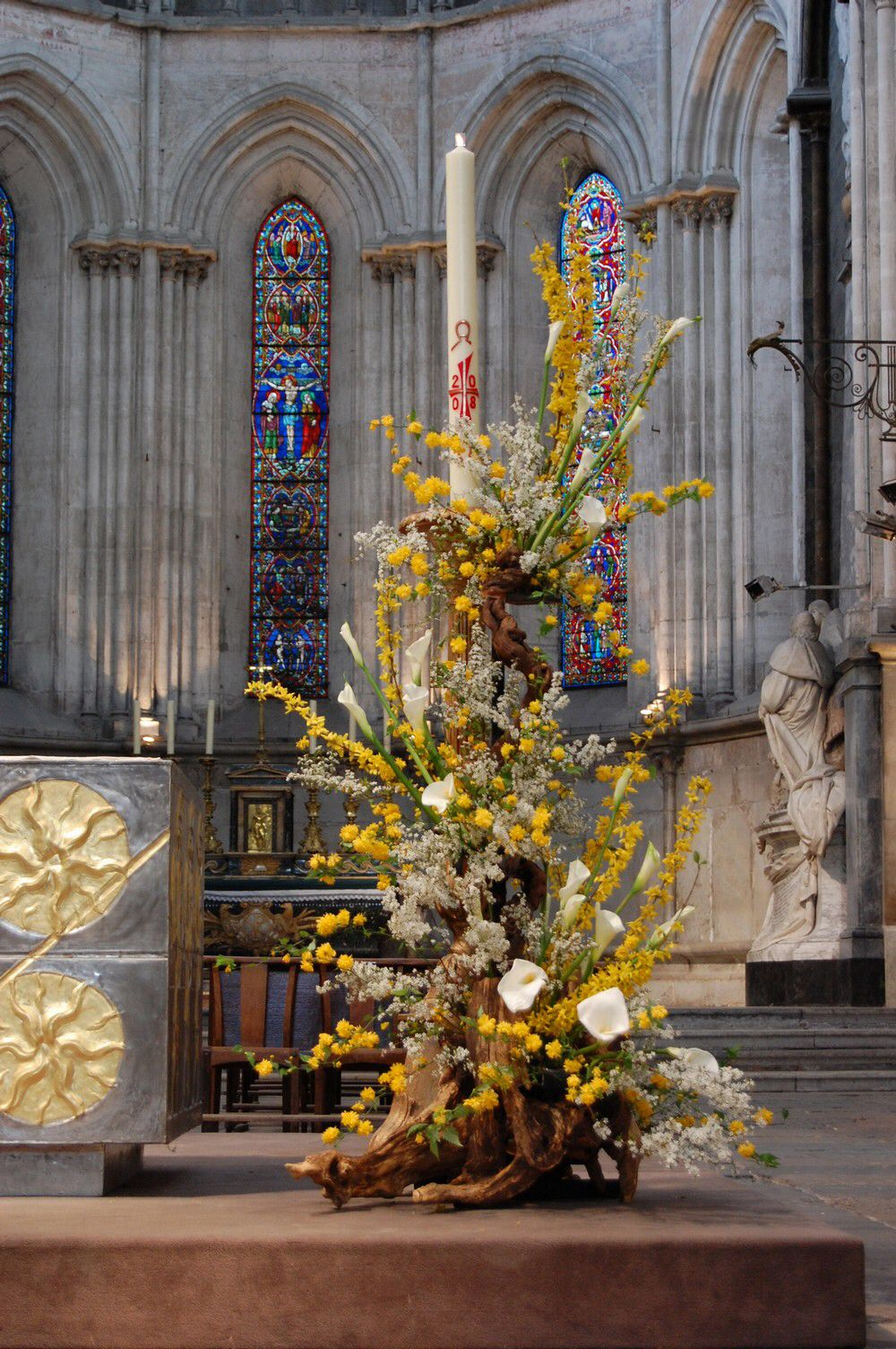 Arte Floral Na Liturgia Stunning Floral Arrangement For Church Church Decor Ideas