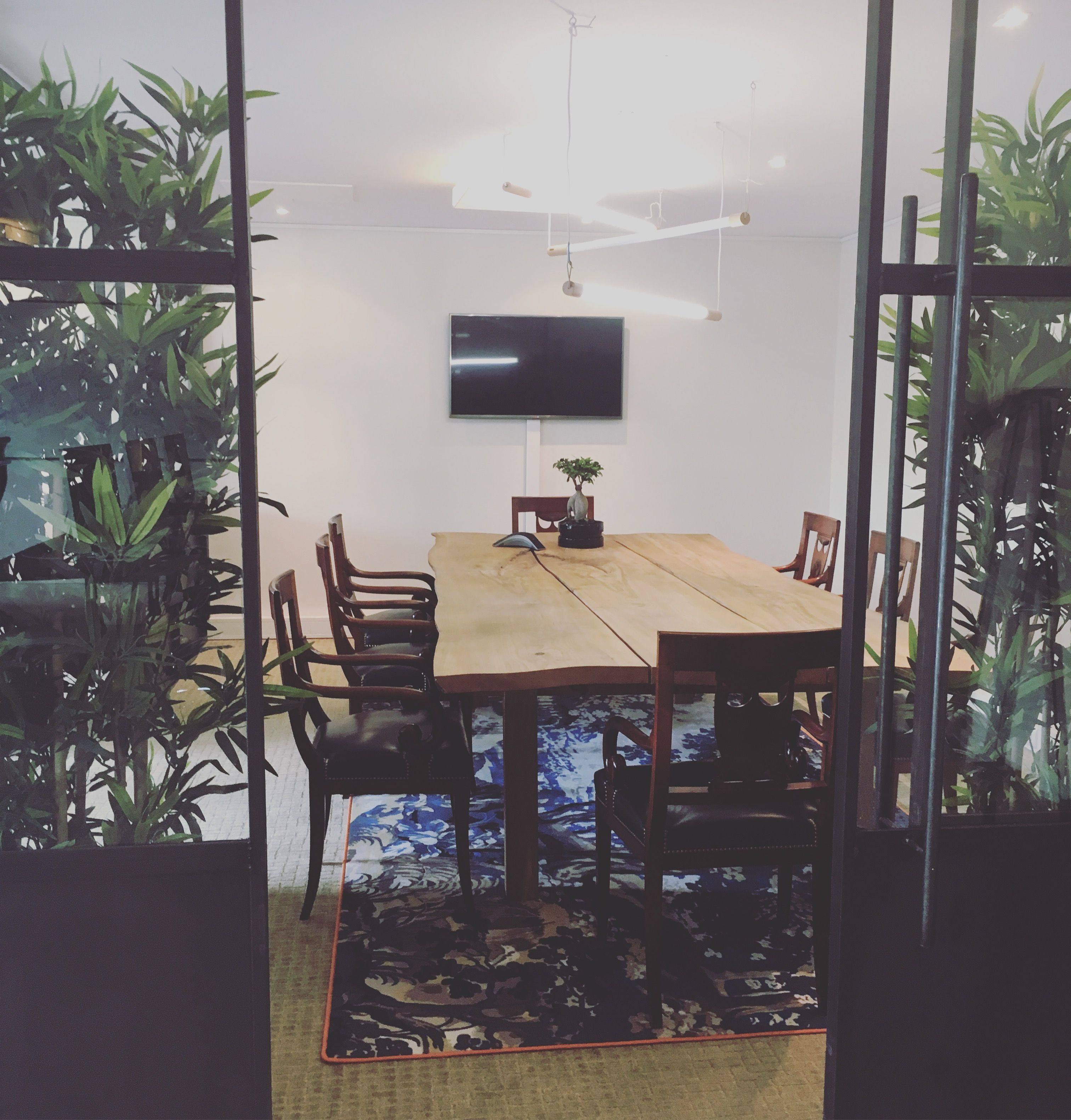 Interior design project i did for Kobi digital. Office space in Amsterdam canals. Studionanouk.nl