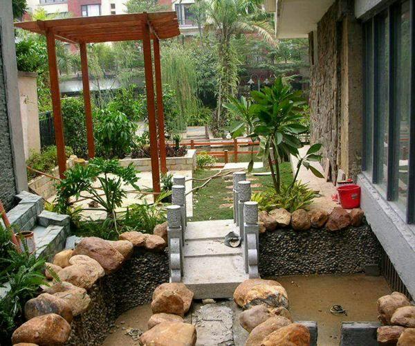 Jardines peque os con piedras inspiraci n de dise o de - Diseno de jardines interiores ...