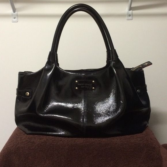 Kate Spade Black Patent Leather Handbag Like New Condition Red Lining All Zippers Are Functional