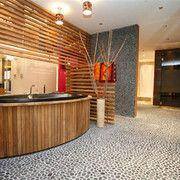 Badezimmer mit Kiesel-Mosaik