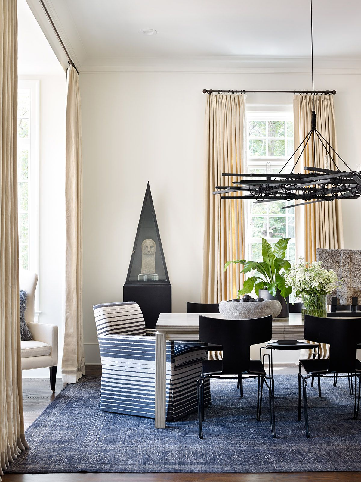 Light Filled Dining Room By Lanah Jackson Robert Brown Interior
