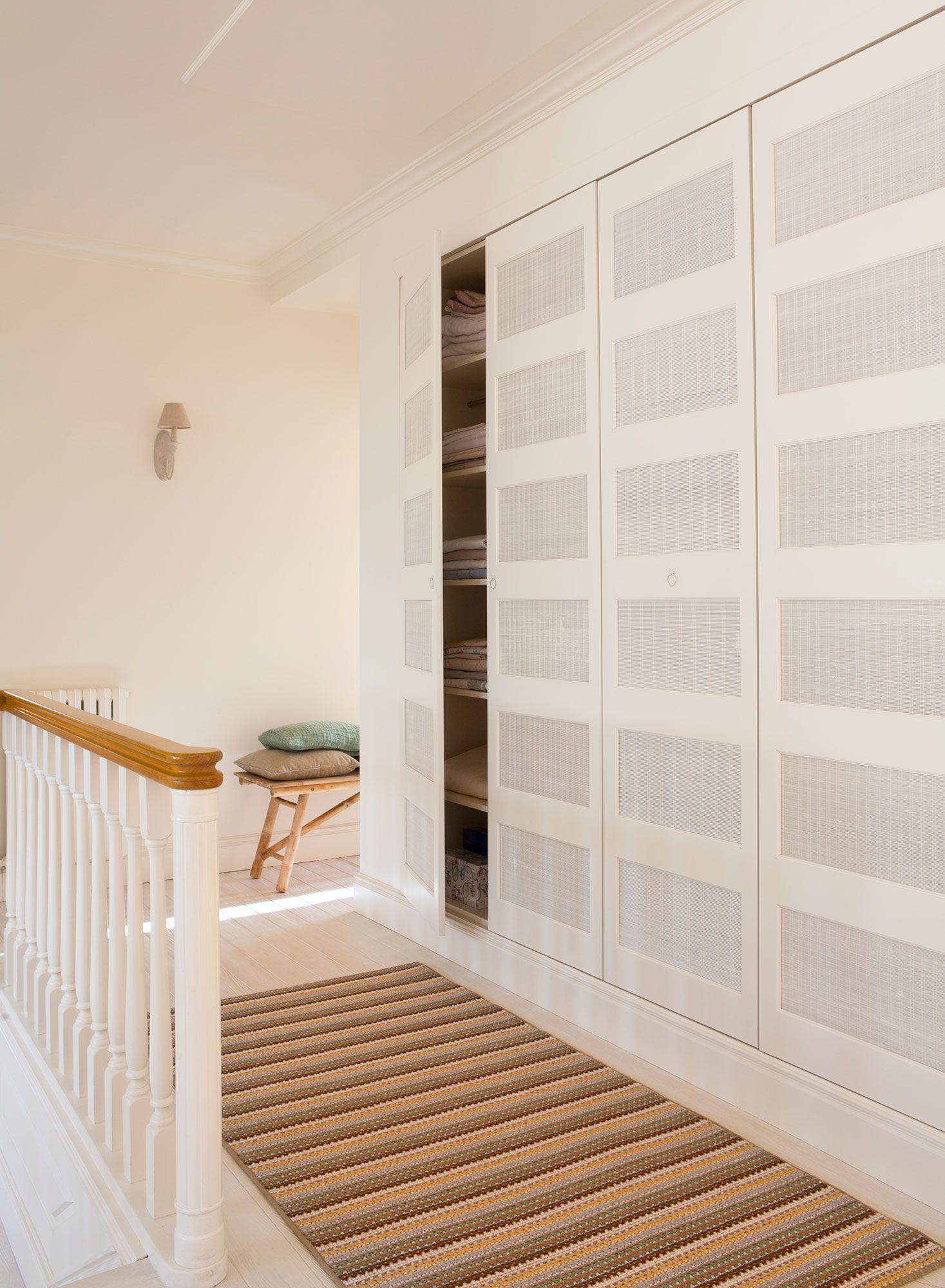 Pasillos y recibidores bonitos y aprovechados mucho m s for Armario de pared con entrada equipada