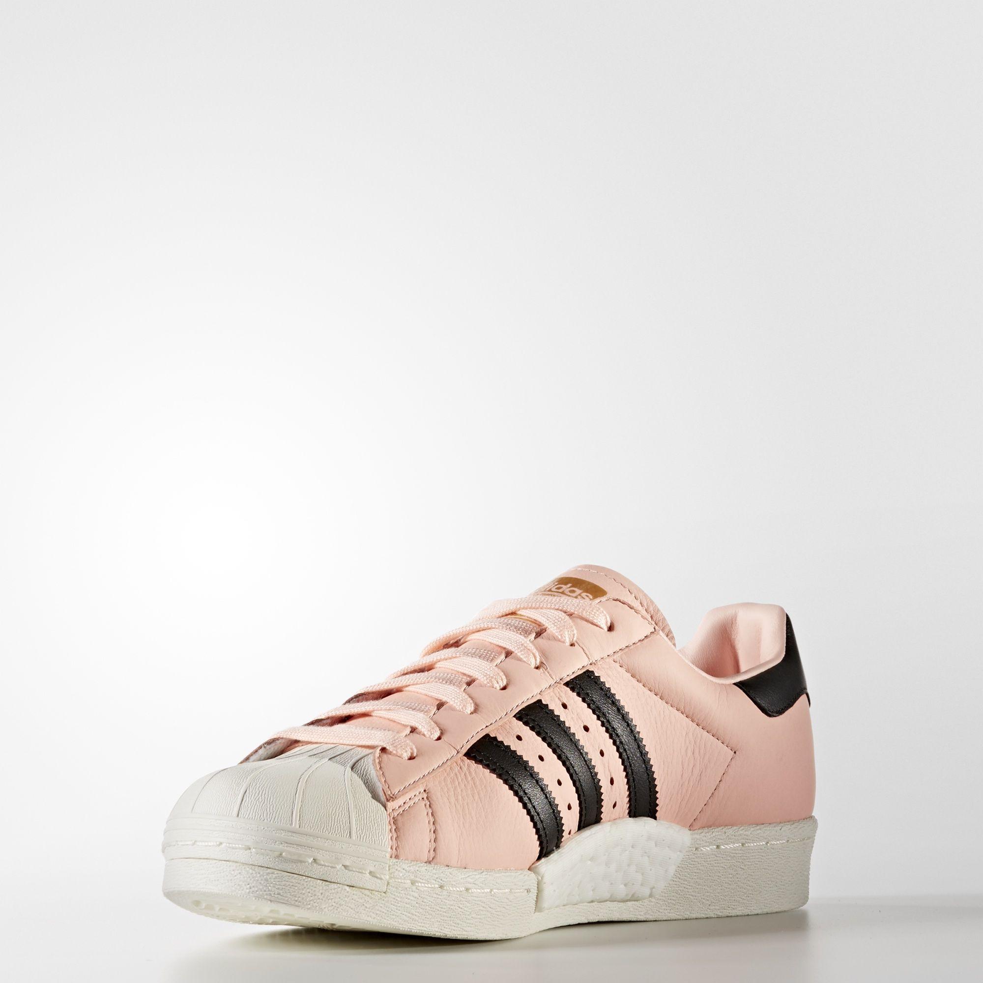 92b7115ddff3 Pin by Mi Mi on Sneakers to buy