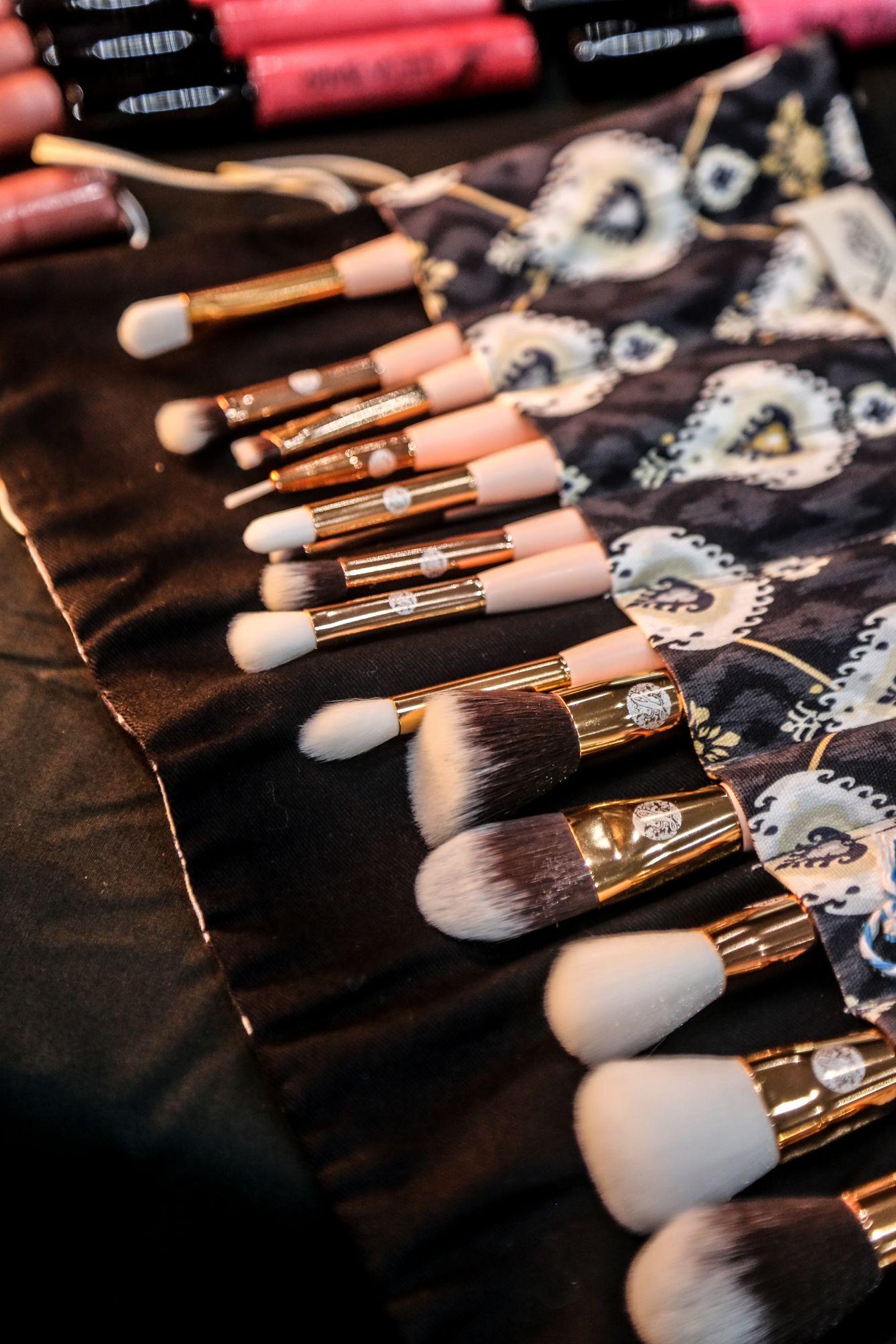 15 piece brush set Vegan makeup brushes, Brush set, Brush
