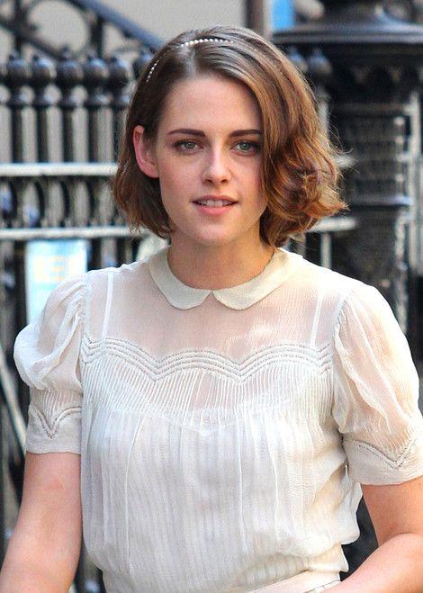 Kristen Stewart on set of Cafe Society | Kristen stewart hair ...