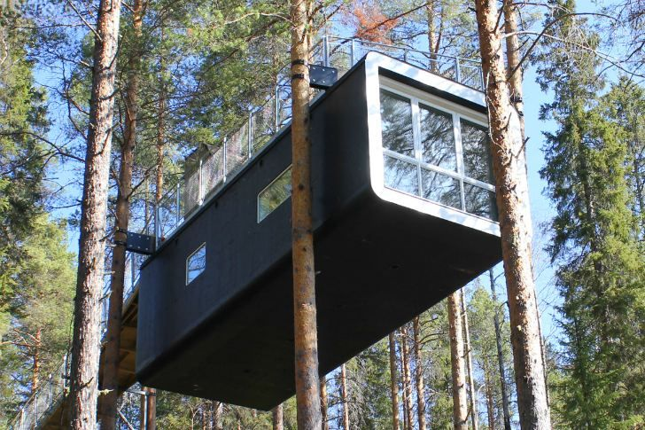 Prefabulous Tree Top Cabin Goes Out On A Limb At Sweden S