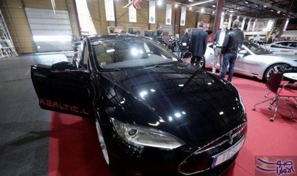 تسلا موتورز تطلق نسخة جديدة من سياراتها قالت شبكة روسيا اليوم الإخبارية إنه من المقرر أن تقوم شركة تسلا موتورز لصناعة السيارات Sports Car Car Bmw