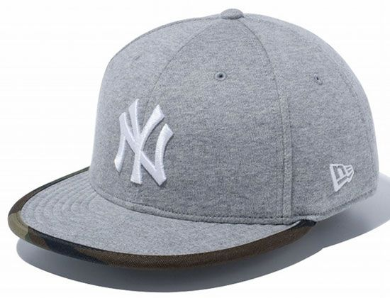 competitive price 2aef3 17546 NEW ERA Japan offers up the New York Yankees Sweat Woodland Duck 9Fifty  Snapback Cap for Bronx Bombers fans. The cap is made of a Grey fleece  fabric on the