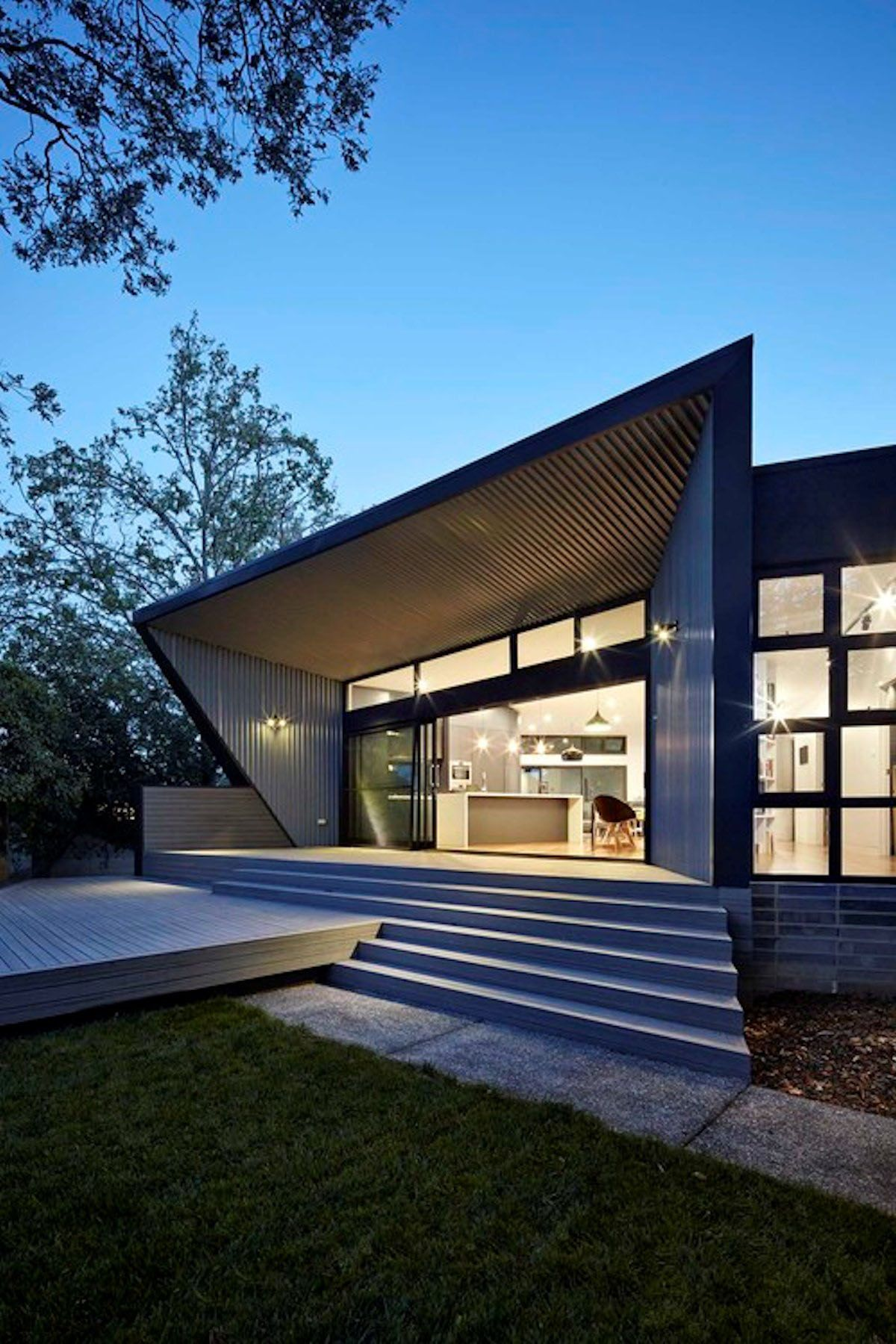 Best Angular Roof Design Shaping A Stylish Family Home Roof 400 x 300