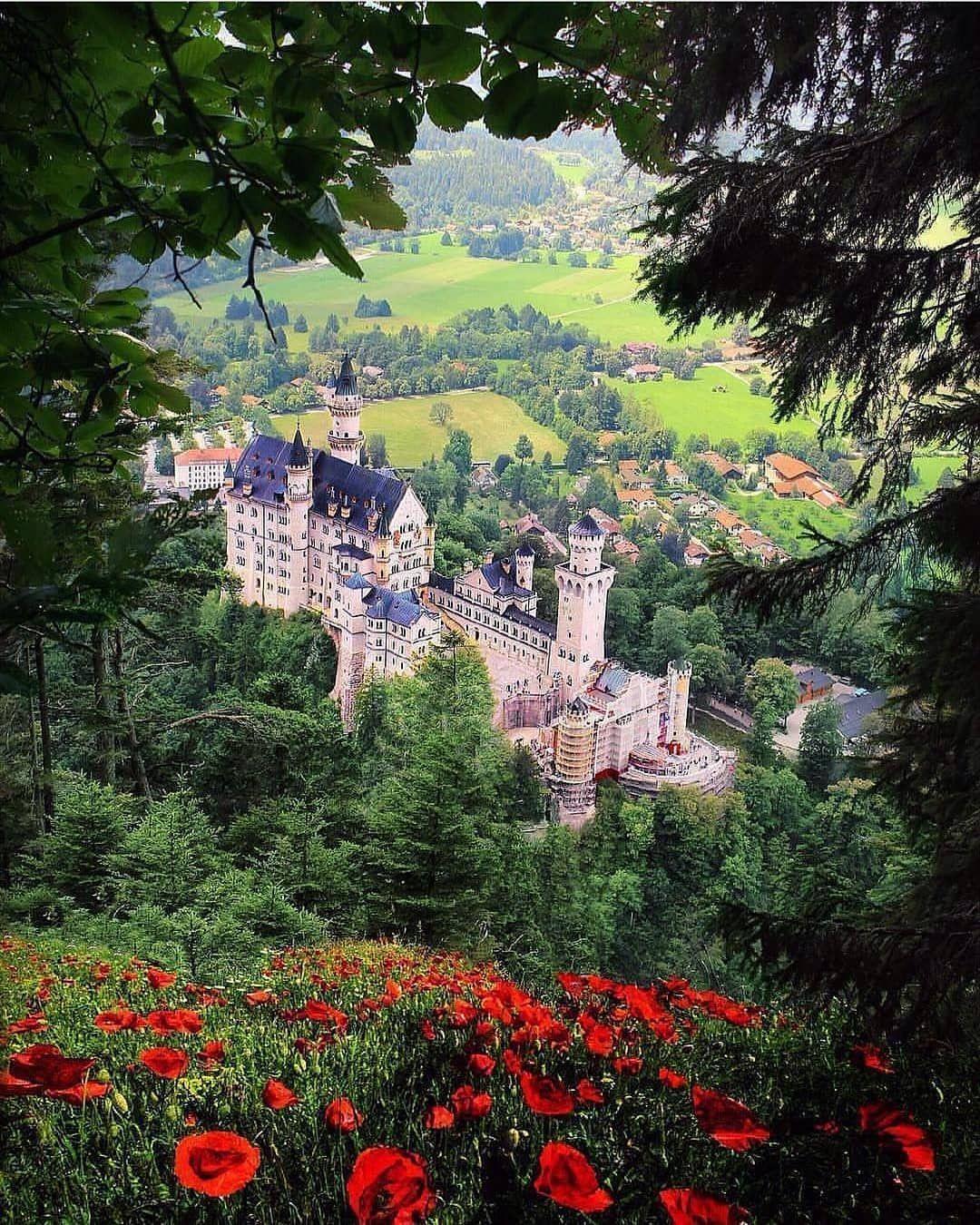 Incredible Destination On Instagram Schloss Neuschwanstein Germany Neuschwansteincastle Neusc Germany Castles Neuschwanstein Castle Cool Places To Visit
