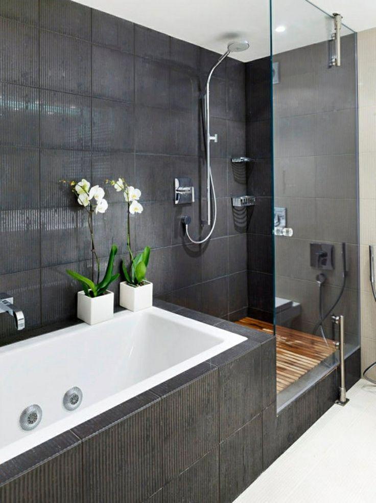 Afbeeldingsresultaat voor badkamer bad en douche tegen elkaar ...