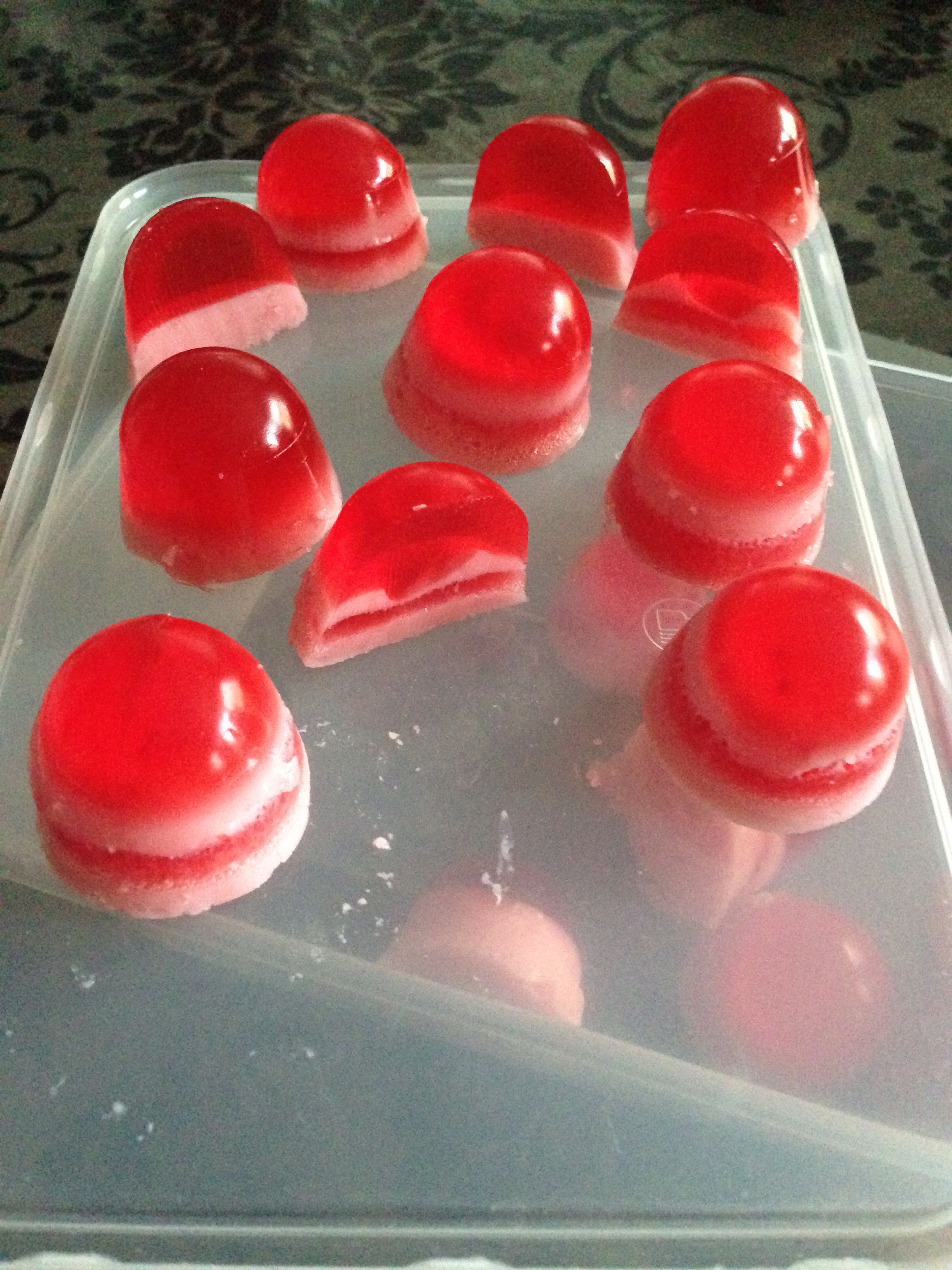 My first attempt at slimming world jelly sweets used 3 x gelatine instead of 2 strawberry flavour