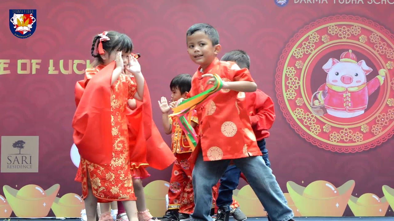 Kindergarten students performance at Chinese New Year