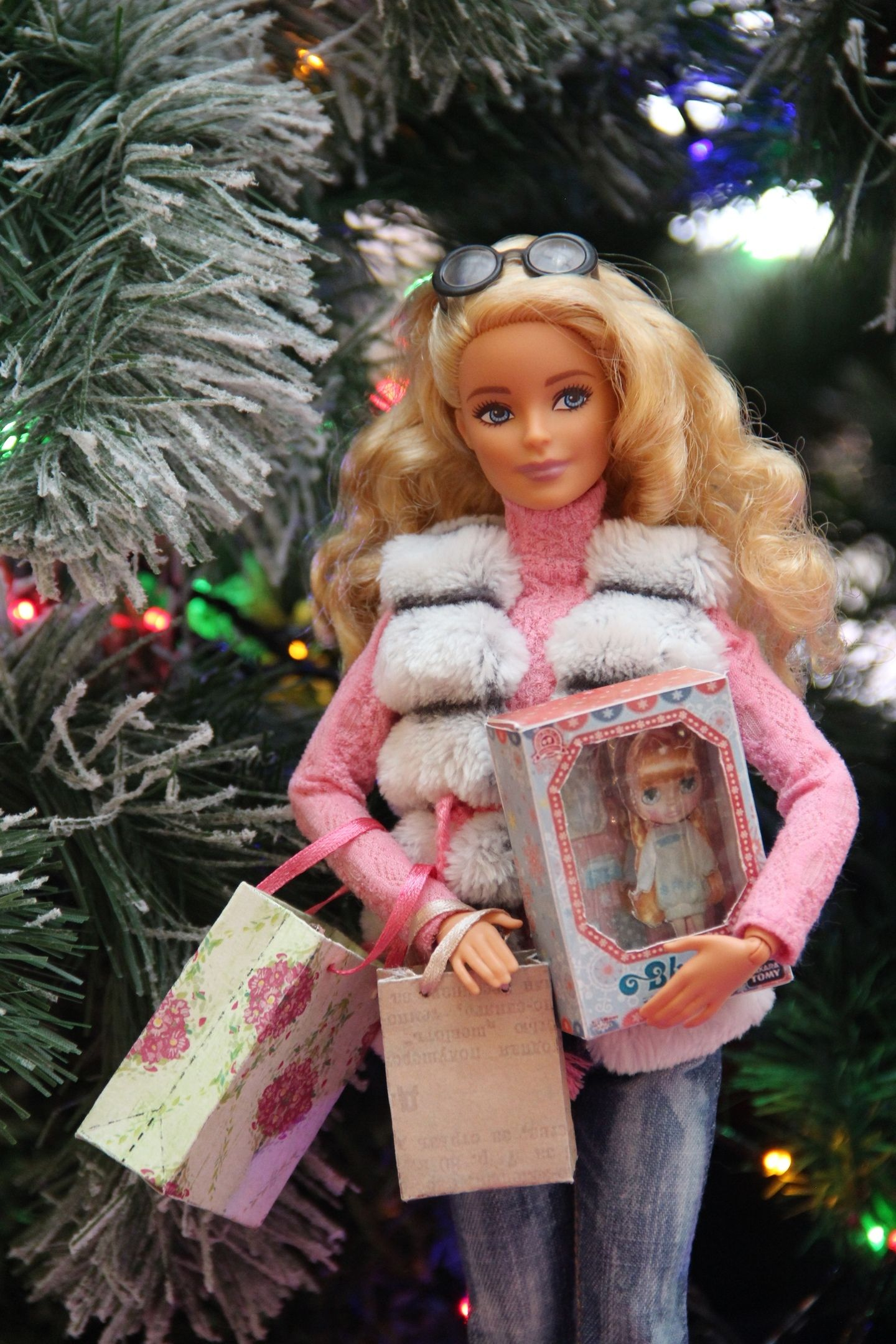 Astores On Christmas Day Near Me 2020 Pin by Gabriela Valderrama on Dolls in winter in 2020 | Barbie