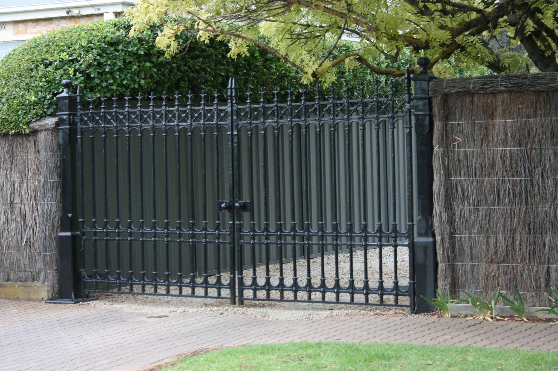 Cast Iron Gates, Gate House, Gate