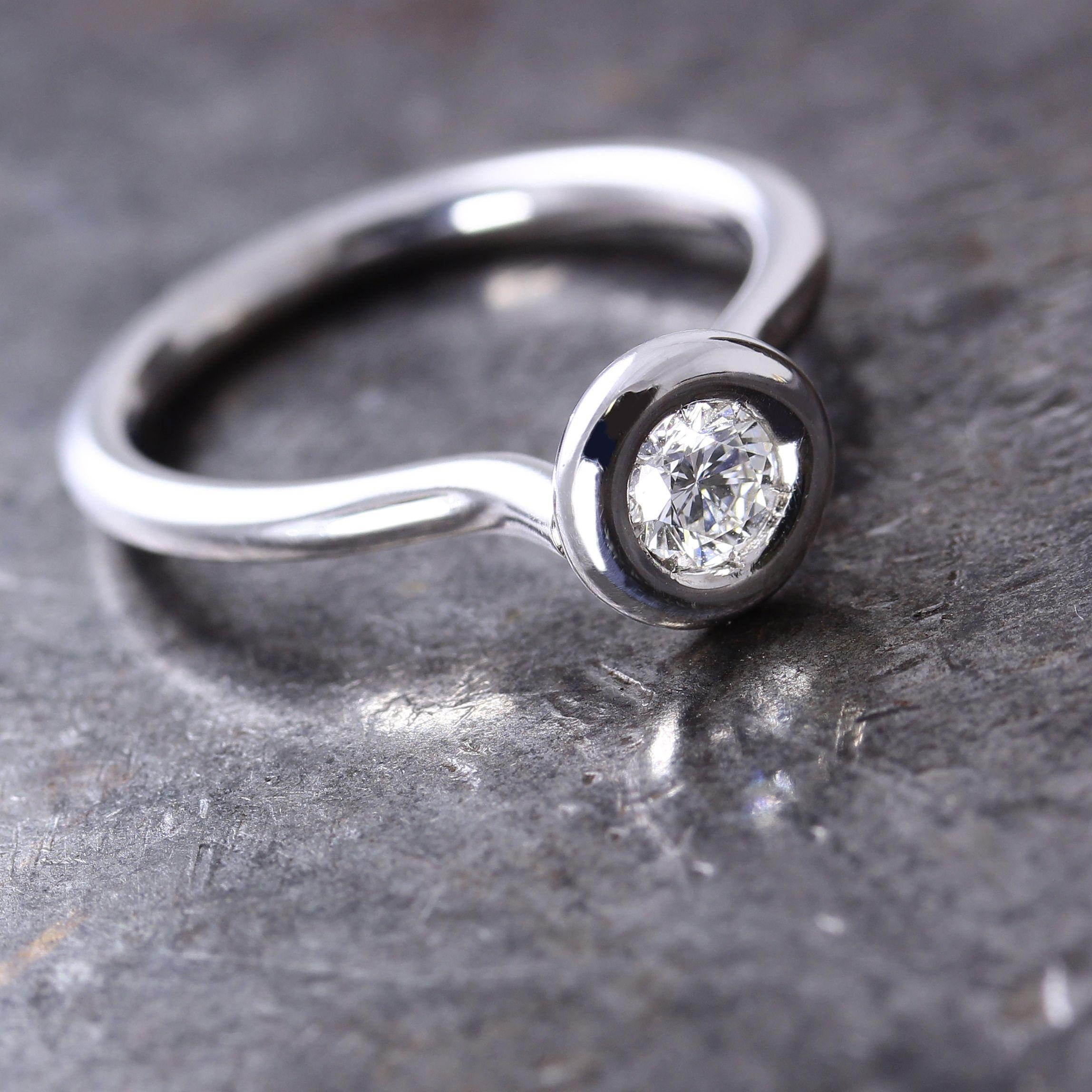 Beautiful diamond engagement ring handmade solitaire band round