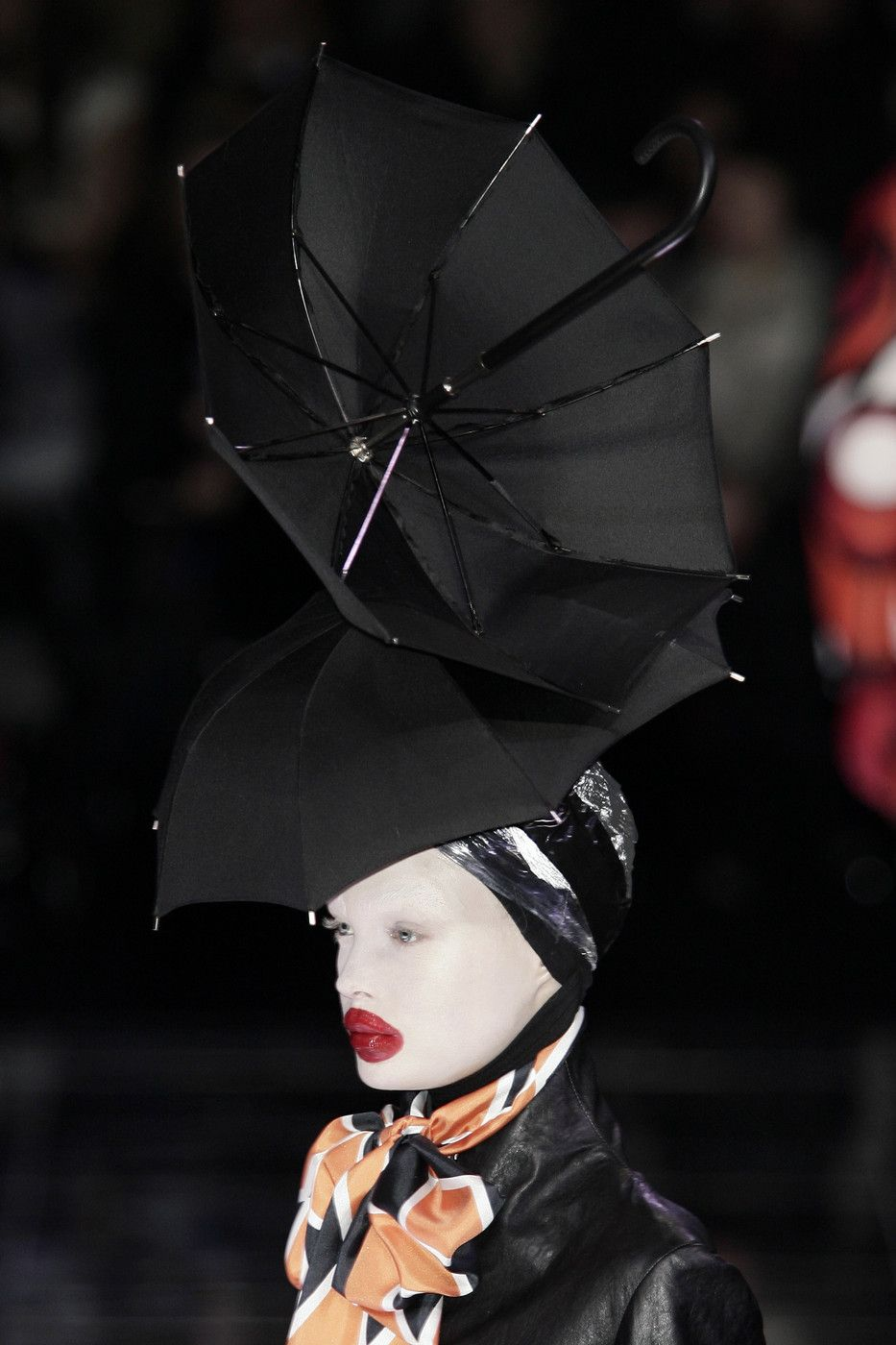Umbrella Hair in Alexander McQueen Autumn/Winter 2009