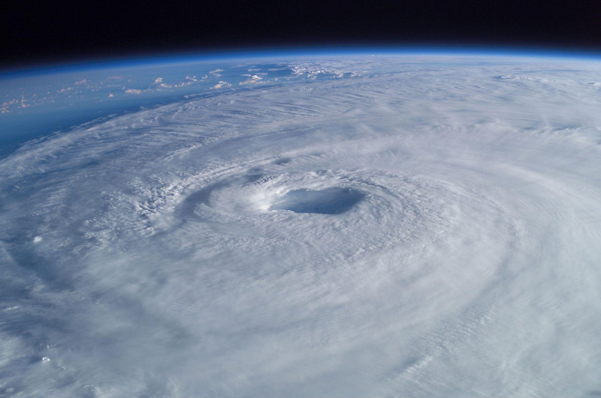 Global Warming Fueling Fewer But Stronger Hurricanes Study Says Hurricane Images Hurricane Season Eye Of The Storm