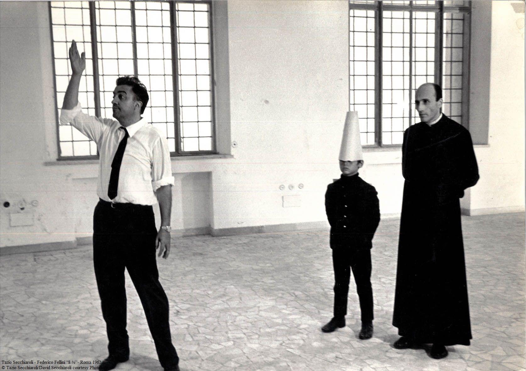 Fellini on set of 8 1/2, 1962. Photo by Tazio Secchiaroli | Federico ...