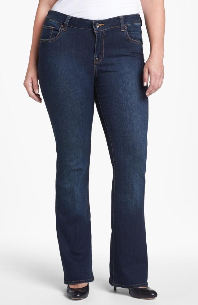 e1d85d3b653c45 Found! The Best Jeans to Wear for a Pear Shape Body | Curvy Fashion ...