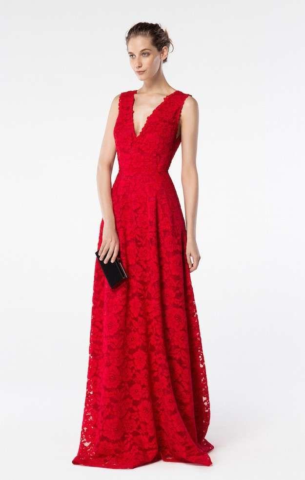 50ffb769ae023 Carolina Herrera Colección Primavera-Verano 2016  fotos de los looks - CarolinaHerrera  vestido maxi encaje rojo