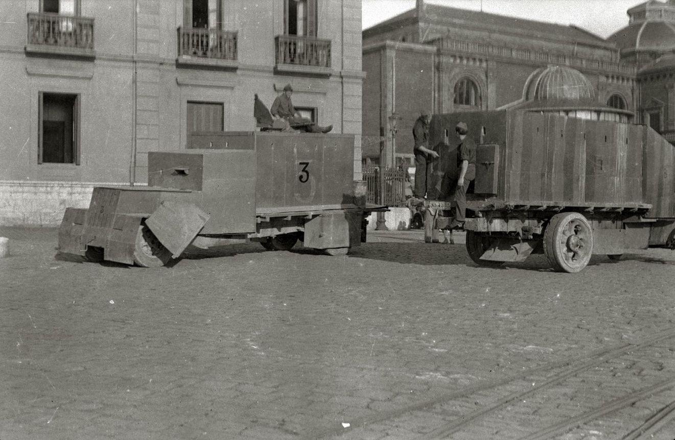Tiznados nacionales provenientes de Navarra en la calle Igentea (Donostia-San Sebastián). 1936. Kutxateka.