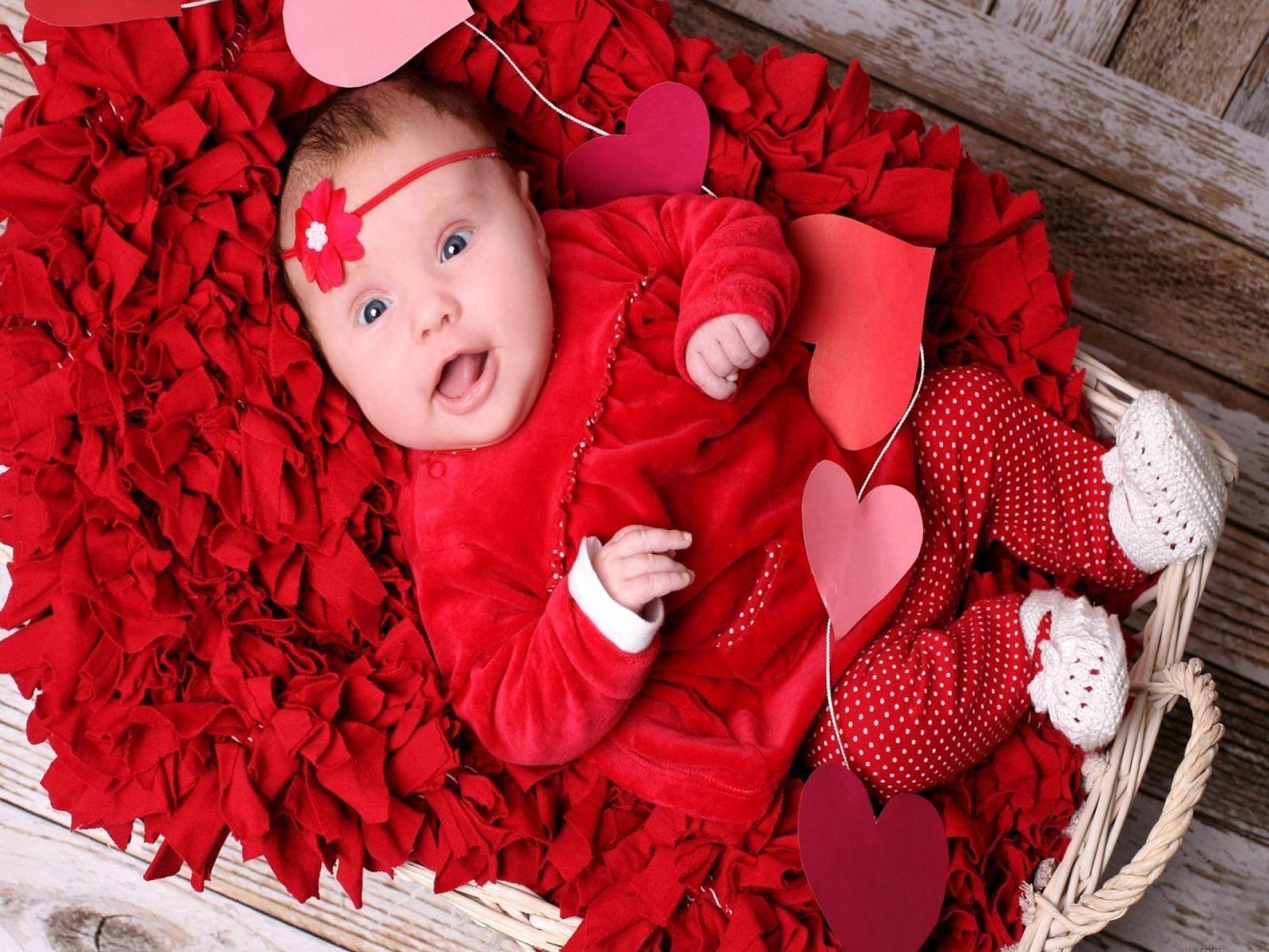 Red Wallpaper Cute Baby Girl Baby Wallpaper Cute Babies