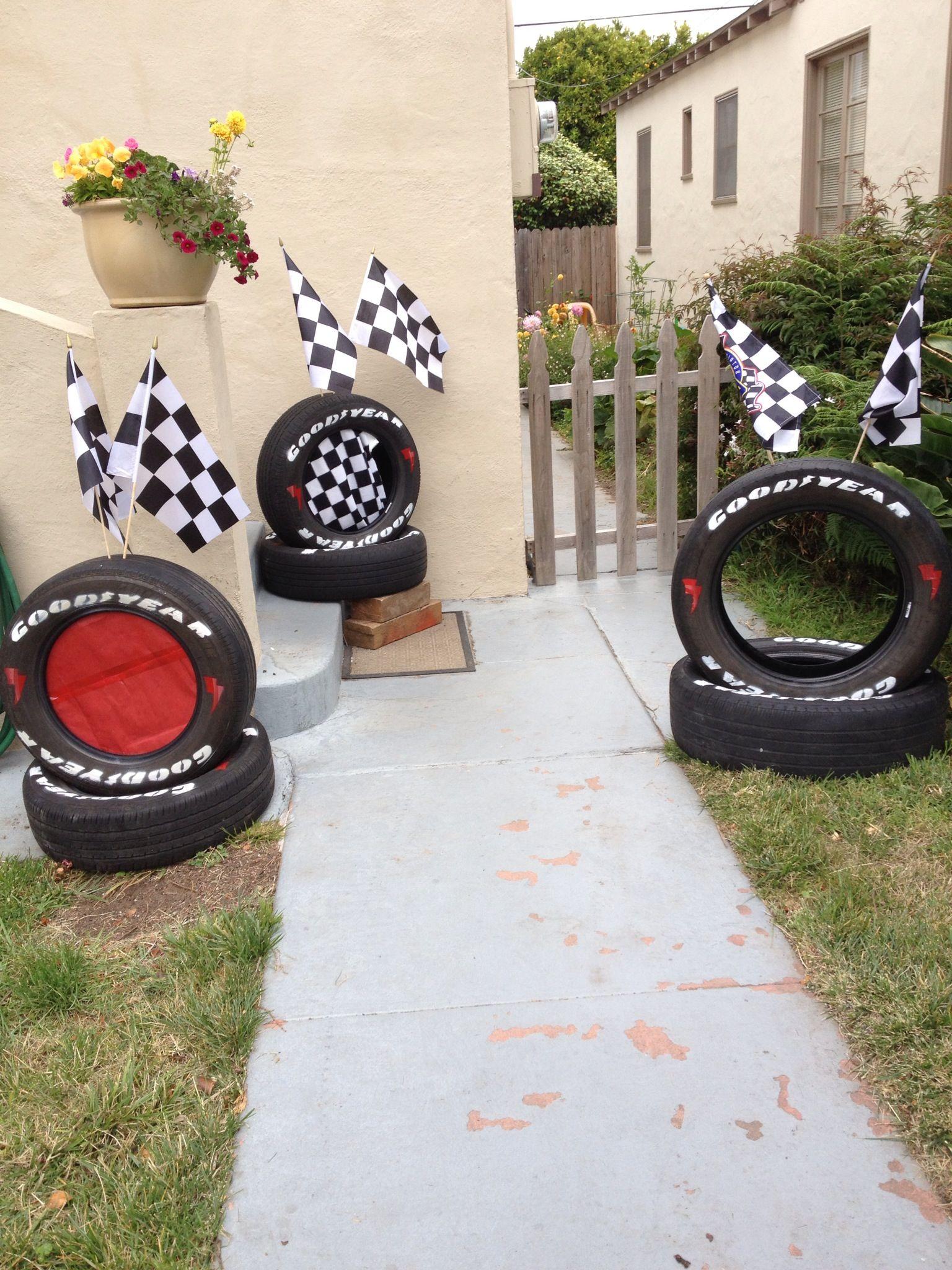 Cars Table Decorations Como Organizar Una Fiesta De Cars Rayo Mcqueen Disney The