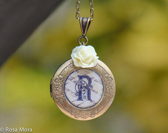 Personalized Lockets -Bridesmaid Lockets-bridesmaid Gift -Monogrammed Locket Necklaces