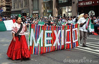 It's a Mexican parade!!!!!!!!!!
